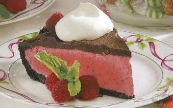 Малиново-шоколадный десерт